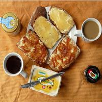 Café, confiture et tartines